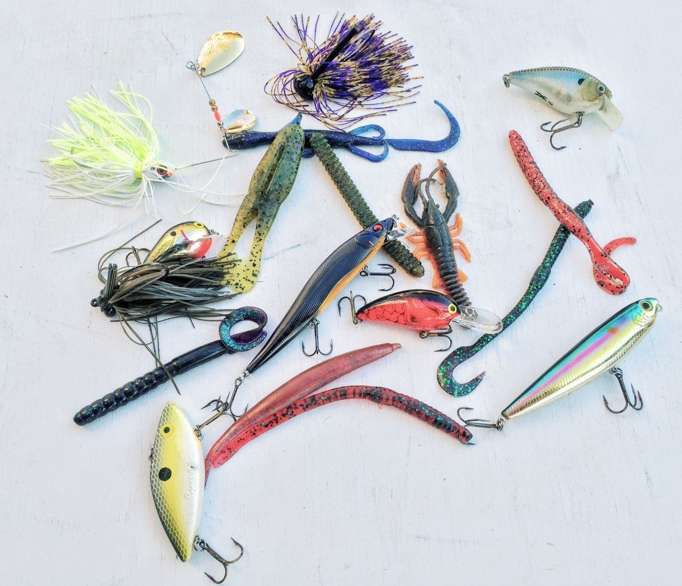 Using the right bass lures in each of the seasons for Bass pro fishing lures