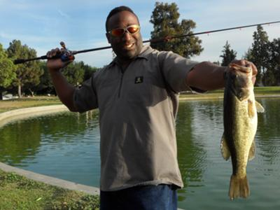 3/5/12 - I usually don't go fishing during the week but I had to test out my new BPS Bionic Blade rod by doing a little urban fishing.  Caught this 2.6lb bass with a JigRig using the new Yuki Bug.  Ten minutes later, I've caught another one that weighed about a pound.  I must say...